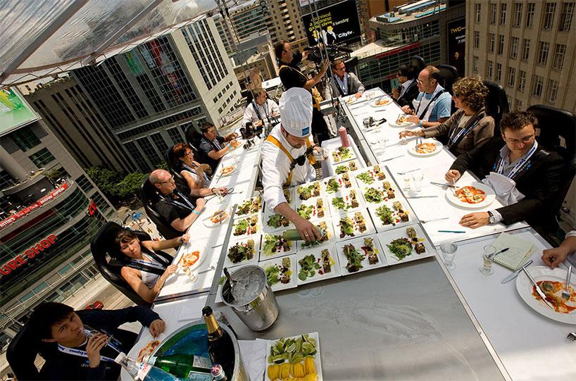 dinner-in-the-sky-designboom-09